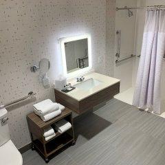 Отель Crowne Plaza Columbus - Downtown США, Колумбус - отзывы, цены и фото номеров - забронировать отель Crowne Plaza Columbus - Downtown онлайн ванная фото 2