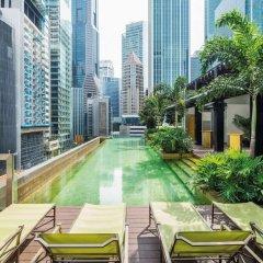 Отель Sofitel So Singapore бассейн фото 3