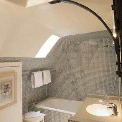 Отель Hôtel Du Cygne Париж ванная