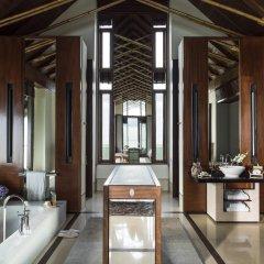Отель One&Only Reethi Rah 5* Вилла с различными типами кроватей фото 25