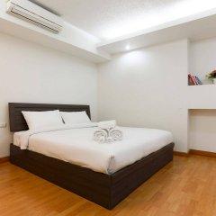 Отель Waterford Condominium Sukhumvit 50 Бангкок сейф в номере