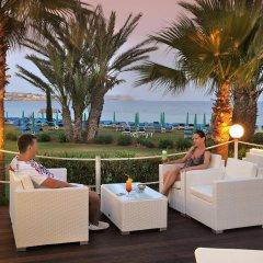 Okeanos Beach Hotel гостиничный бар