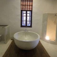 Отель Fort Square Boutique Villa Шри-Ланка, Галле - отзывы, цены и фото номеров - забронировать отель Fort Square Boutique Villa онлайн ванная фото 2