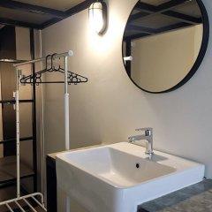 Отель House of Phayathai - Hostel Таиланд, Бангкок - отзывы, цены и фото номеров - забронировать отель House of Phayathai - Hostel онлайн ванная