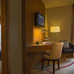 Отель Renaissance Paris Vendome Hotel Франция, Париж - отзывы, цены и фото номеров - забронировать отель Renaissance Paris Vendome Hotel онлайн удобства в номере фото 2