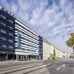 Отель Occidental Praha Five парковка