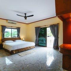 Отель 5 Bedrooms Pool Villa Behind Phuket Z00 Таиланд, Бухта Чалонг - отзывы, цены и фото номеров - забронировать отель 5 Bedrooms Pool Villa Behind Phuket Z00 онлайн комната для гостей фото 2