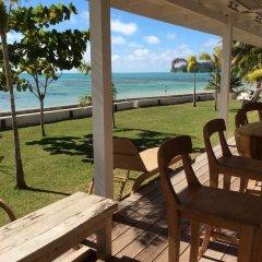 Отель Moorea Fare Miti Французская Полинезия, Муреа - отзывы, цены и фото номеров - забронировать отель Moorea Fare Miti онлайн пляж фото 2