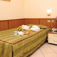 Отель San Siro Fiera Италия, Милан - отзывы, цены и фото номеров - забронировать отель San Siro Fiera онлайн комната для гостей фото 2