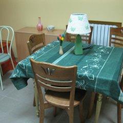 Гостиница Fish Andrey Hostel Украина, Днепр - отзывы, цены и фото номеров - забронировать гостиницу Fish Andrey Hostel онлайн питание