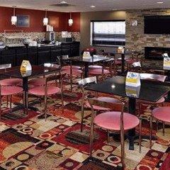 Отель Comfort Suites East питание