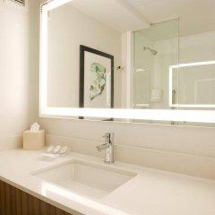 Отель Hilton Garden Inn New York/Central Park South-Midtown West ванная