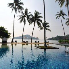 Отель Crowne Plaza Phuket Panwa Beach бассейн
