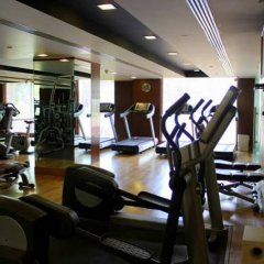 Отель Radisson Blu Plaza Delhi Airport фитнесс-зал фото 2