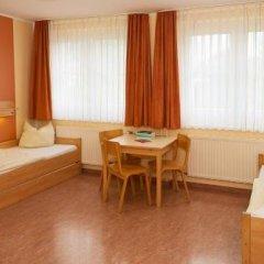 Отель JUGENDGASTEHAUS DRESDEN - Hostel Германия, Дрезден - 1 отзыв об отеле, цены и фото номеров - забронировать отель JUGENDGASTEHAUS DRESDEN - Hostel онлайн комната для гостей фото 4