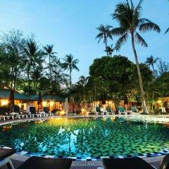 Отель Eden Bungalow Resort бассейн