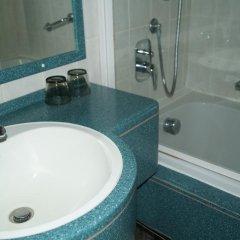 Hotel U Tri Pstrosu Прага ванная фото 2
