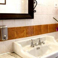 Отель Grande Hotel de Paris Португалия, Порту - 1 отзыв об отеле, цены и фото номеров - забронировать отель Grande Hotel de Paris онлайн ванная фото 2