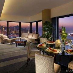 Отель Harbour Grand Hong Kong в номере фото 2
