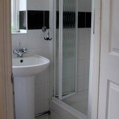 Отель Debden Guest House ванная фото 2