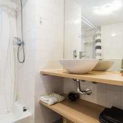 Апартаменты Lisbon Cosy in the Castle Apartment ванная фото 2