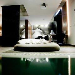 Hotel Mood Private Suites бассейн