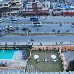Отель The Everest Kathmandu балкон