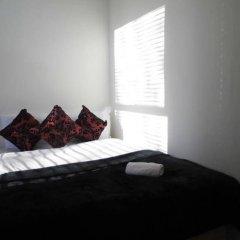 Апартаменты Hyde Park Gate Apartments Лондон комната для гостей