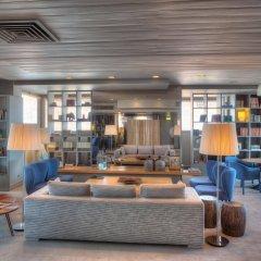Hotel Dom Henrique Downtown гостиничный бар