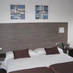 Отель Suites A Coruña комната для гостей фото 2