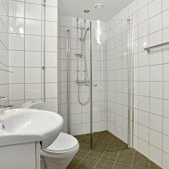 Отель Frogner House Apartments - Arbinsgate 3 Норвегия, Осло - 1 отзыв об отеле, цены и фото номеров - забронировать отель Frogner House Apartments - Arbinsgate 3 онлайн ванная фото 2
