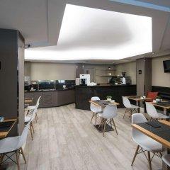 Отель Catalonia Albeniz Барселона гостиничный бар
