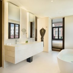 La Ville Hotel & Suites CITY WALK, Dubai, Autograph Collection ванная фото 2