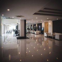 Queenco Hotel & Casino интерьер отеля