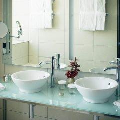Отель Vienna House Andel´s Berlin Германия, Берлин - 8 отзывов об отеле, цены и фото номеров - забронировать отель Vienna House Andel´s Berlin онлайн ванная