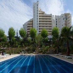 Отель Apartamentos Turisticos Jardins Da Rocha Португалия, Портимао - отзывы, цены и фото номеров - забронировать отель Apartamentos Turisticos Jardins Da Rocha онлайн бассейн фото 3