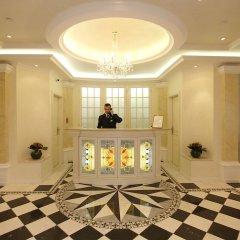 Queen's Court Hotel &Residence интерьер отеля фото 2