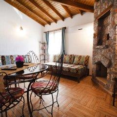 KAY6700 Villa Malhun 2 Bedrooms Турция, Кесилер - отзывы, цены и фото номеров - забронировать отель KAY6700 Villa Malhun 2 Bedrooms онлайн комната для гостей фото 5