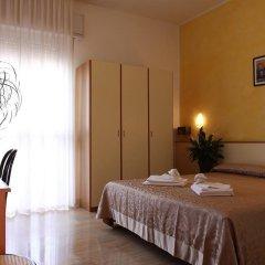 Отель Arabesco Римини в номере фото 2