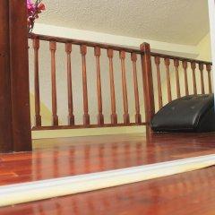 Отель The Oasis at Marley Manor Ямайка, Кингстон - отзывы, цены и фото номеров - забронировать отель The Oasis at Marley Manor онлайн интерьер отеля фото 2