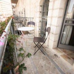 The Market Courtyard - Jerusalem Suites Израиль, Иерусалим - отзывы, цены и фото номеров - забронировать отель The Market Courtyard - Jerusalem Suites онлайн балкон