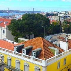 Отель Hub New Lisbon Hostel Португалия, Лиссабон - 1 отзыв об отеле, цены и фото номеров - забронировать отель Hub New Lisbon Hostel онлайн бассейн фото 2