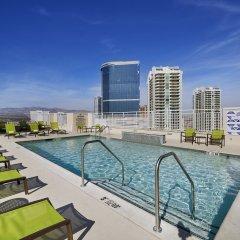 Отель SpringHill Suites Las Vegas Convention Center бассейн фото 3
