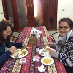 Отель Mountain View Hotel - Hostel Вьетнам, Шапа - отзывы, цены и фото номеров - забронировать отель Mountain View Hotel - Hostel онлайн питание