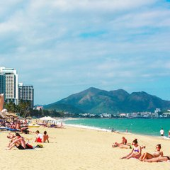 Azura Hotel пляж