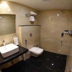 Отель Grand Rajputana Индия, Райпур - отзывы, цены и фото номеров - забронировать отель Grand Rajputana онлайн ванная