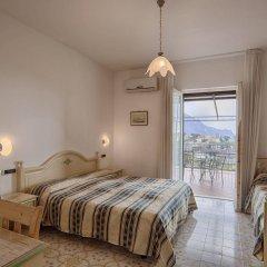 Отель La Margherita - Villa Giuseppina Италия, Скала - отзывы, цены и фото номеров - забронировать отель La Margherita - Villa Giuseppina онлайн комната для гостей фото 4
