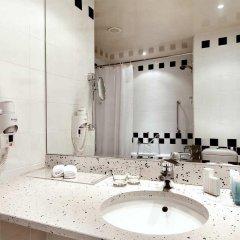 Отель Hilton Sofia Болгария, София - отзывы, цены и фото номеров - забронировать отель Hilton Sofia онлайн ванная