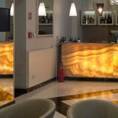 Отель iH Hotels Roma Dei Borgia гостиничный бар