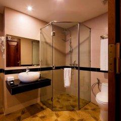 Отель Red Sun Nha Trang Hotel Вьетнам, Нячанг - отзывы, цены и фото номеров - забронировать отель Red Sun Nha Trang Hotel онлайн ванная
